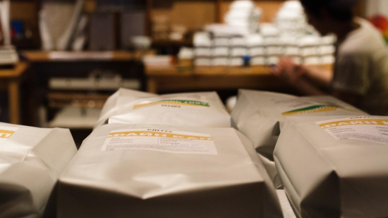Фасовка кофе на производстве