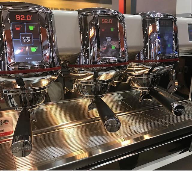 Эспрессо-машина с цифровым дисплеем