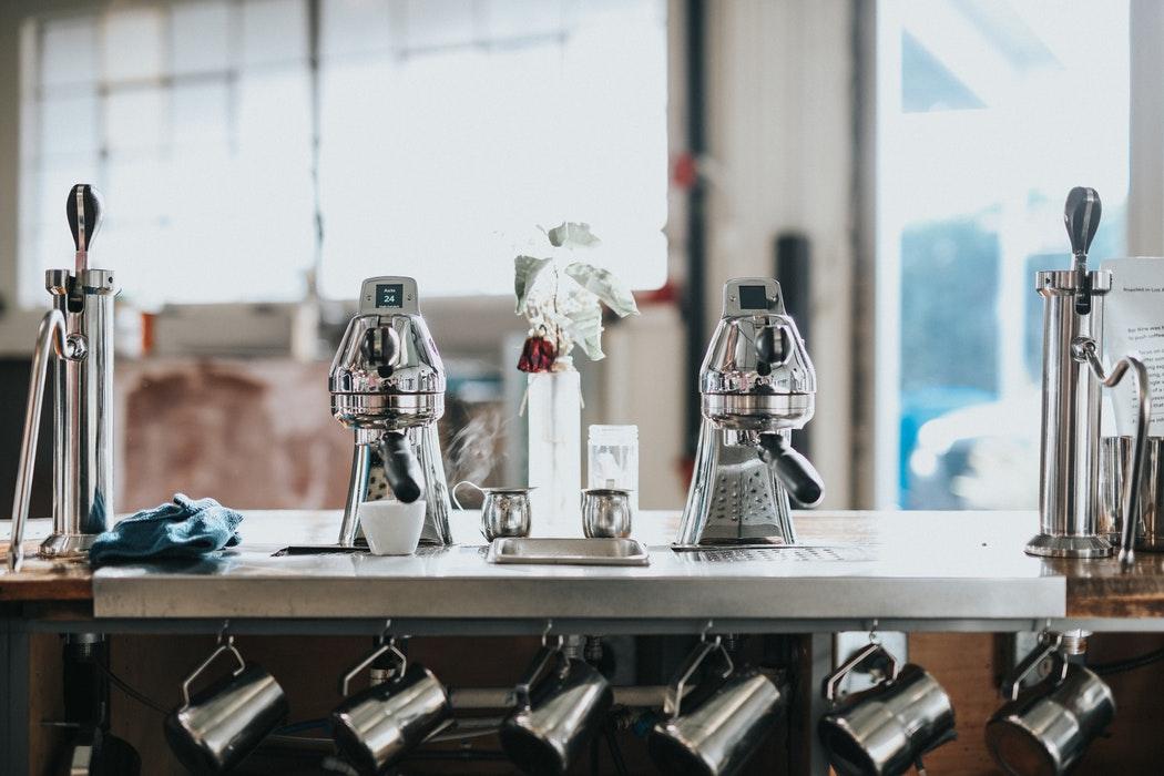 Кофемашина встроенная в барную стойку